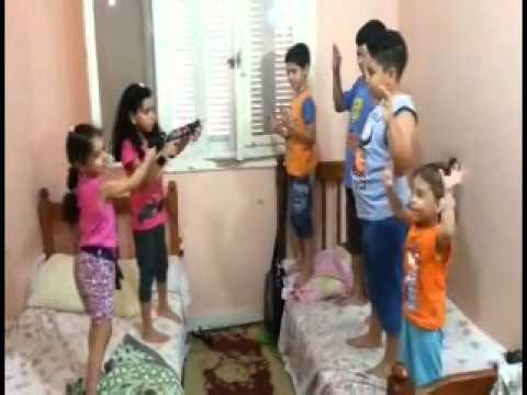 أطفال يرقصون على أغنية بشرة خير روووووووعة thumbnail
