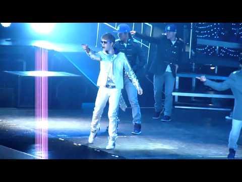 HD   Justin Bieber opening Love Me    27 03 2011    Ahoy Rotterdam