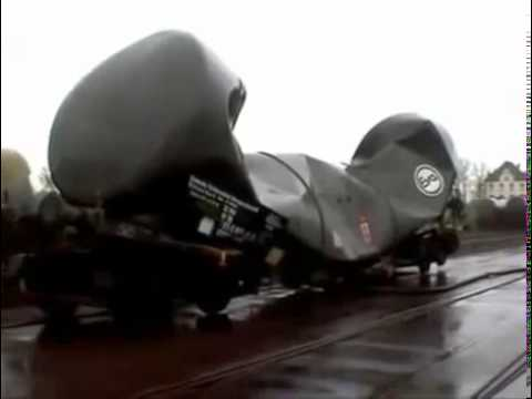 Вакуум сдавливает цистерну
