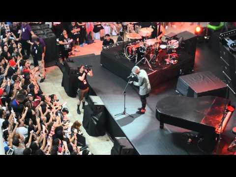 HeavyDirtySoul live in Manila - Twenty One...