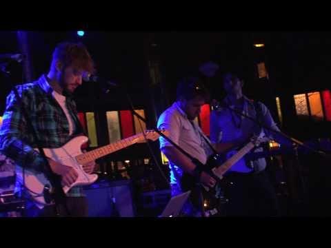 Carl Fox - Intro Song (Spiegeltent - Laneway Festival 2011)