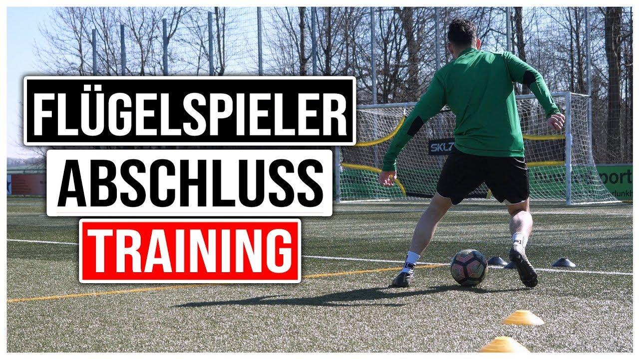 flÜgelspieler fussball richtig gefährlich vor dem tor