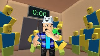 ROBLOX: THE ELEVATOR HAS BEEN INVADED BY MANY RUBBER DOLLS! -Play Old man