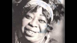 Watch Ma Rainey Yonder Come The Blues video