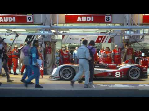 Audi R15 TDI #8 Pit Stop at 2010 24 Hours of Le Mans