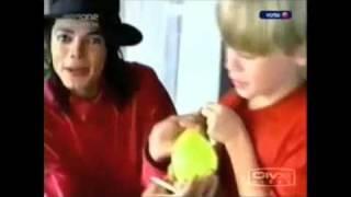 Michael Jackson Macaulay Culkin Throwing Water Balloons At Fans Below