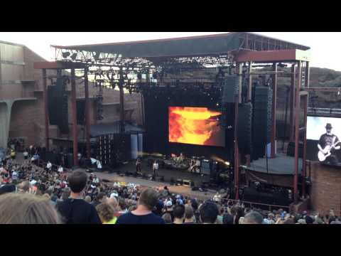 """Soundgarden   """"Searching With My Good Eye Closed"""" - Redrocks -  2014"""