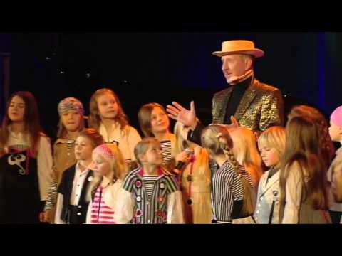 2009 Un atkal Pifs Dziesmiņa par Krustmāti Agati