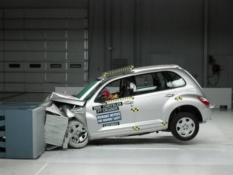 2008 Chrysler PT Cruiser moderate overlap test