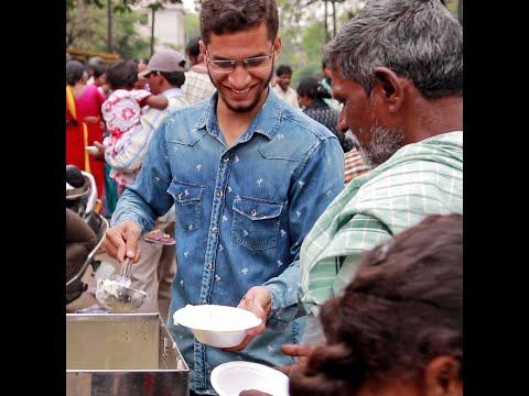 Hyderabad Man Distributes Free Food Outside Hospital