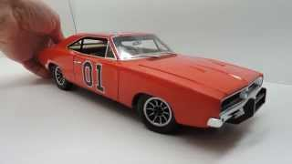 1/18 Dukes of Hazzard General Lee with working Dixie horn and theme song