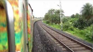 Howrah New Delhi Duronto Express Races Through Hazaribagh Road at 115 Kmph!