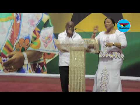 Harmonious choir's 'Oye'  gets Akufo - Addo 'boogying' at NPP Thanksgiving service