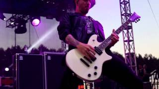 Papa Roach - Between Angels & Insects (live in Minsk, 03-07-15)