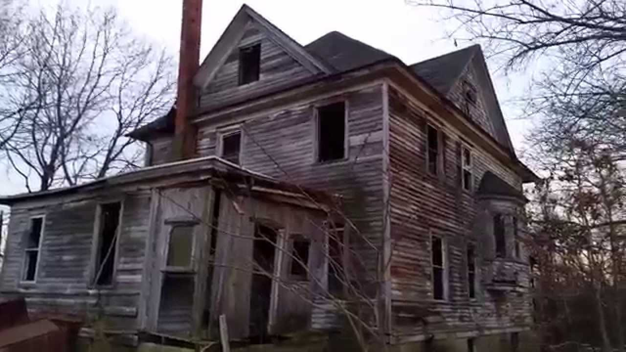 1940 39 s abandoned victorian house walkthrough youtube for Classic house walkthrough