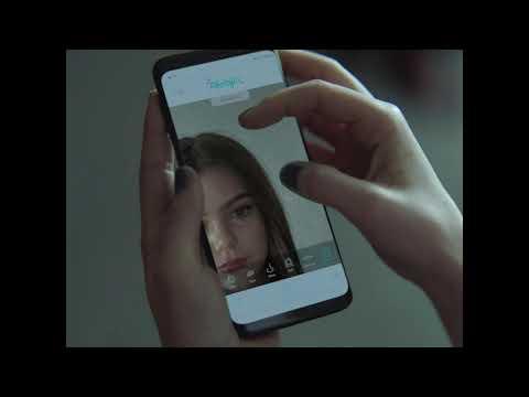 Parlons selfies : d'après une nouvelle étude du projet Dove pour l'estime de soi, 80 % des jeunes Canadiennes ont recours à des applications de retouche photo dès l'âge de 13 ans