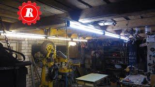 простые штуки - Как сделать хорошее освещение в мастерской(Видео повествует о том как сделать хорошее освещение в мастерской, как я избежал покупки новых люминесцент..., 2015-01-13T19:45:22.000Z)