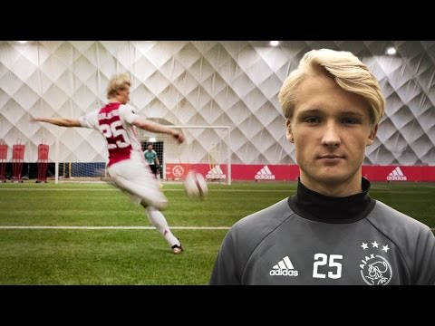 Ultimate Set Piece Challenge with Kasper Dolberg | EuropaNights #HereToCreate