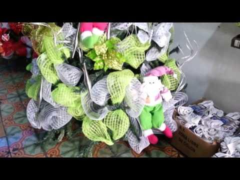 Decoracion arboles de navidad 2016 mallas verdes parte 8 for Adornos arbol navidad online