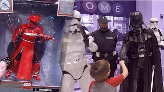 Star Wars Episode VIII The Last Jedi Force Friday II Midnight Event Time Square New York  Cosplay