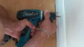 Как закрыть щели между ламинатом и стеной ? Как монтировать плинтусы Ultrawood на неровную стену ?