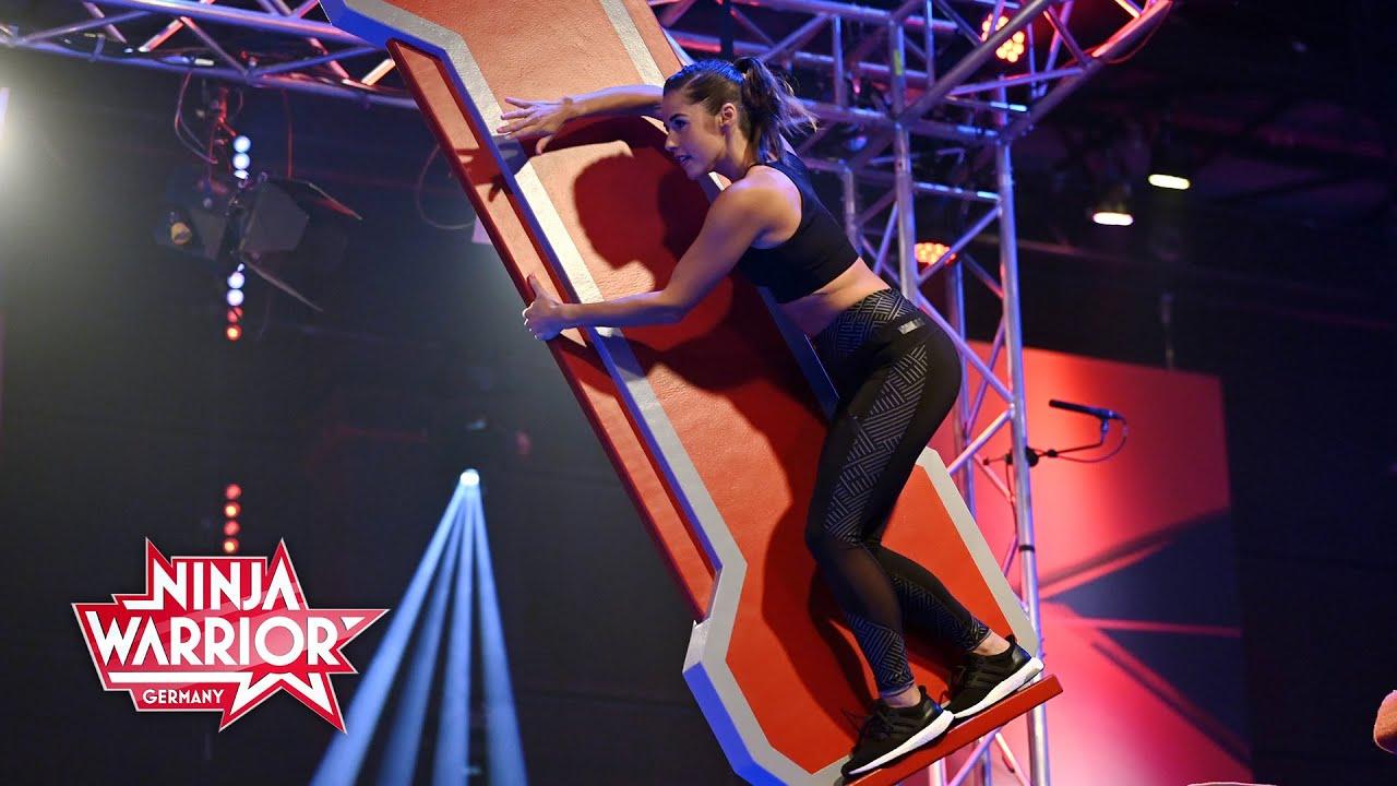 Download Sarah Lombardi schafft ein starkes Comeback! | Ninja Warrior Germany Promi-Special 2020