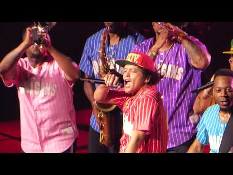 Bruno Mars - Perm - Bankers Life Fieldhouse - Indianapolis, IN - 8/13/2017