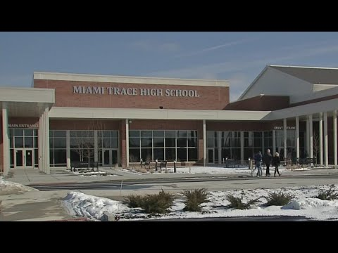 Community gets first look at new Miami Trace High School