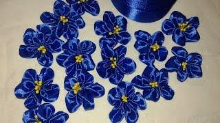 Незабудки в технике канзаши из атласных лент(цветы +из лент, цветы +из атласных лент, цветы +из лент +своими руками, цветы +из лент мастер, цветы +из атласны..., 2015-05-08T10:59:58.000Z)