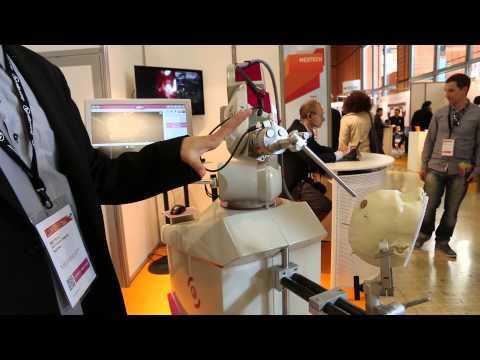 Rosa robot assistant de neurochirurgien