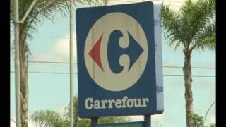 Carrefour paga indenização de 27 mil reais a caixa acusada de desviar R$ 50