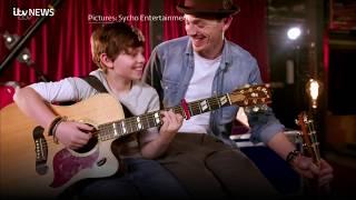 Video Golden buzzer moment as father and son wow Britain's Got Talent | ITV News download MP3, 3GP, MP4, WEBM, AVI, FLV Juni 2018