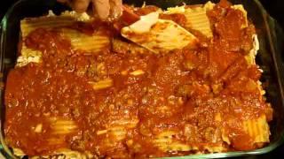 How to Layer Grandmas Lasagna