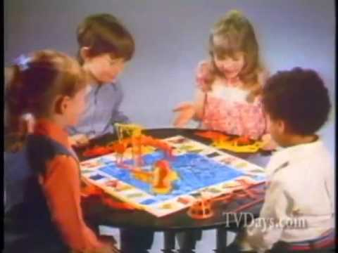 Ideal - Classic Family Games Vintage Commercial: Toss Across, Mouse Trap