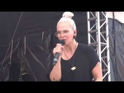 Stefanie Heinzmann 01.07.17 @ Rewe Family München (In The End)