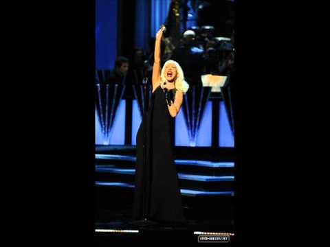 Christina Aguilera - Beautiful Live at CNN Heroes (Instrumental)