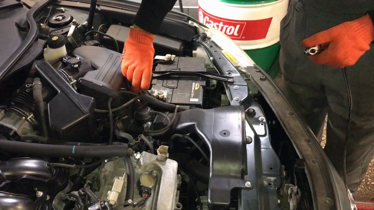 Замена жидкости в гидроусилителе руля Toyota Camry  40