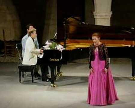 Zandra McMaster sings Puccini