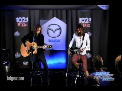 The Darkness - Growing on me live The Edge Mazda Music Lounge