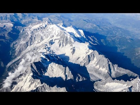 Stunning views of Paris, Italian Alps, British Channel. Flight to London Luton. Blue Air OB4011