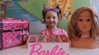 Набор детской косметики Барби чемоданчик для девочек Barbie makeup set for children(Смотрите также другие видео: Baby Amore Pipi Popo интерактивная Кукла распаковка и обзор https://youtu.be/FZtu35iWGEI Динозавры..., 2016-01-02T23:00:07.000Z)