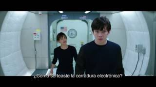 """THE SPACE BETWEEN US - """"Kendra Chat"""" Clip (Subtitled/En Español) In Theaters February 3, 2017"""