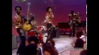 "The Commodores perform ""High On Sunshine"" - Soul Train 1977"