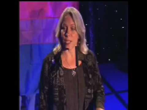 Robyn Ochs receives Susan J. Hyde Activism Award