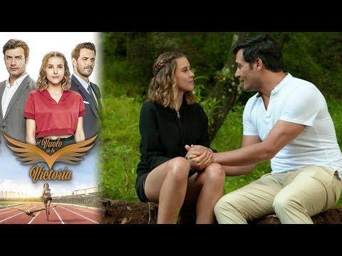 Raúl le pide matrimonio a Victoria | El vuelo de la victoria - Televisa