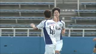 CKのチャンスからゴール前で混戦が生まれると、最後は嫁阪 翔太(G大23...
