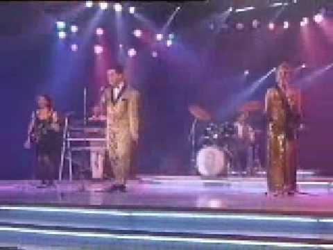 Holly Johnson - love train- Rare performance on Spanish tv 1989