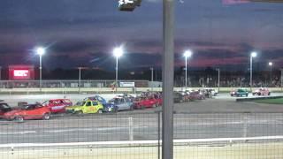 Crazy Demolition Derby Figure 8 Banger Racing with 25 cars!!