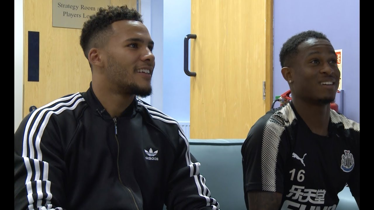 FIFA 18  Newcastle United's Jamaal Lascelles and Rolando Aarons go head to head