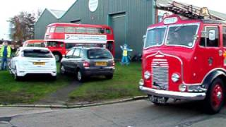 1950 commer avenger fire engine KRT920 giving rides from the ipswich transport museum. thumbnail